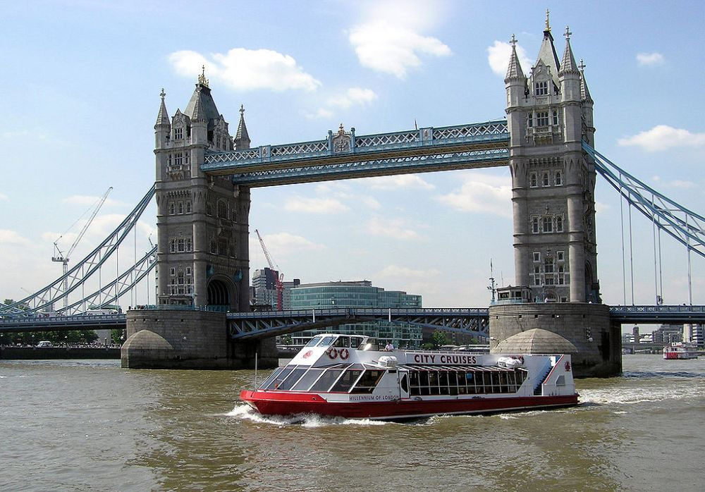Westminster Walking Tour, River Cruise & Cutty Sark Entry
