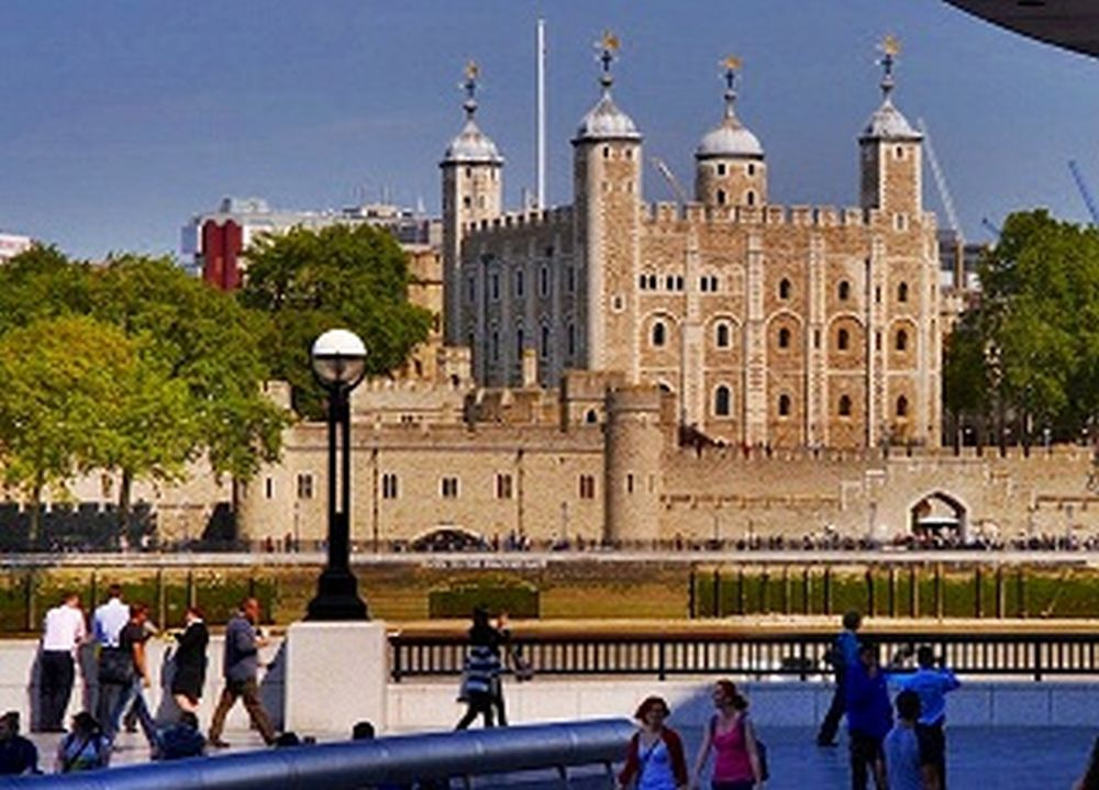 Westminster Tour, River Cruise & Tower of London Entry