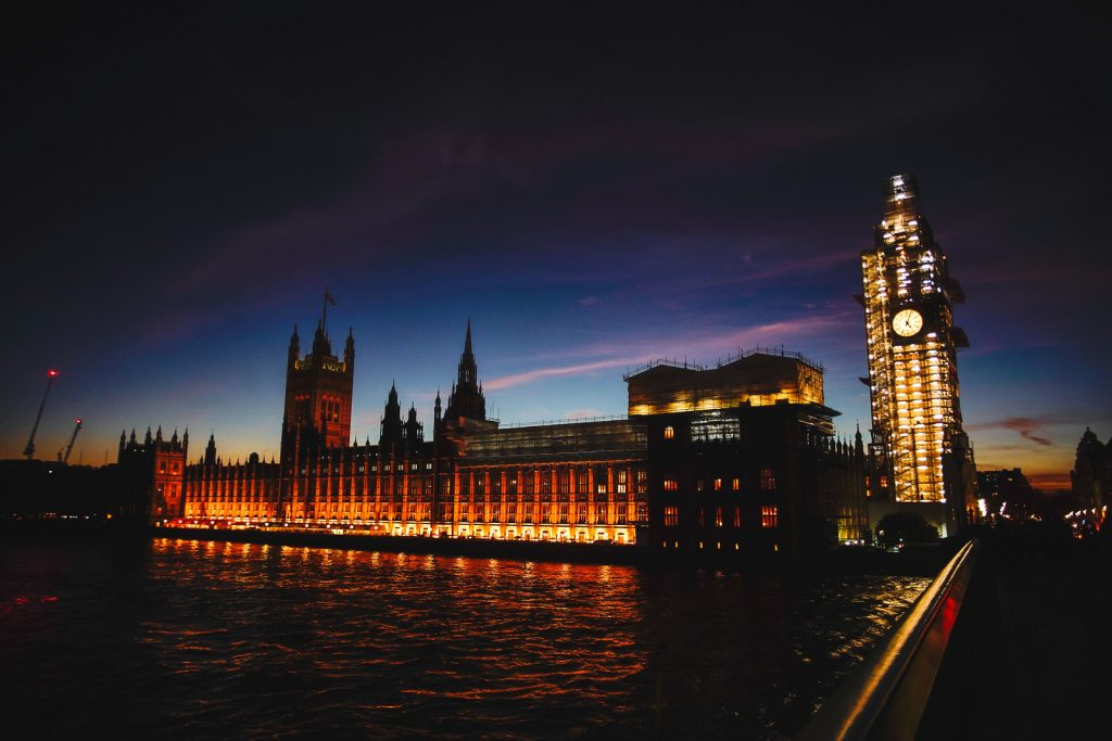 London's Lights & Top 30 Sights (Private Tour)