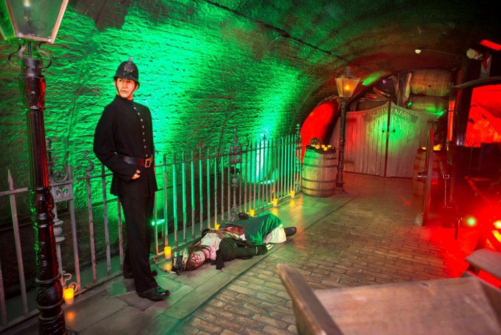 Spooky London Bridge Experience & 30+ Top Sights Tour